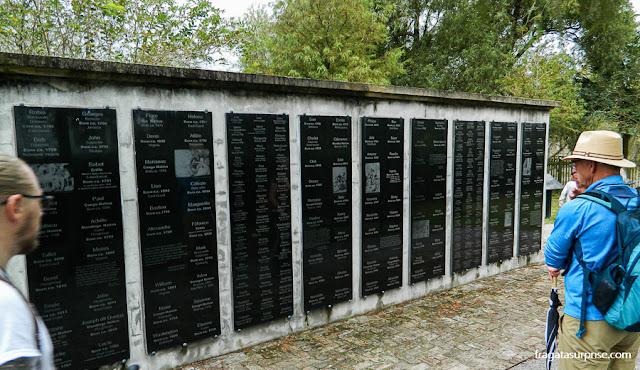 Memoraial às pessoas que viveram escravizadas na Whitney Plantation, na Luisiana