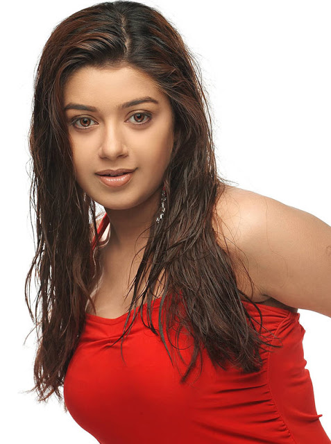 Chaya Singh is an Indian actress Sexy Thing Show