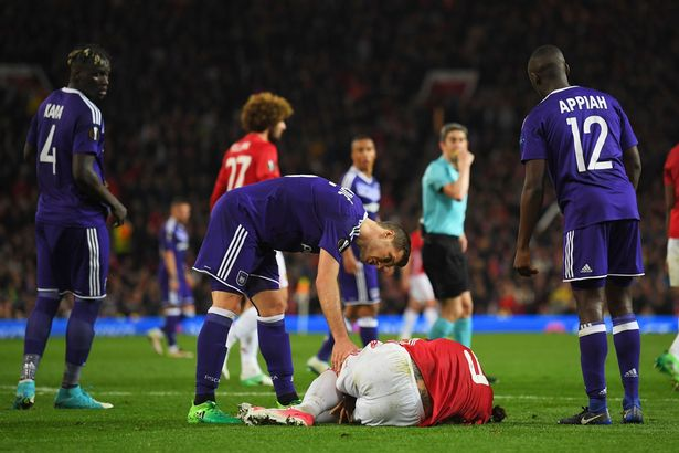 Manchester-Uniteds-Zlatan-Ibrahimovic-receives-medical-attention-after-sustaining-an-injury