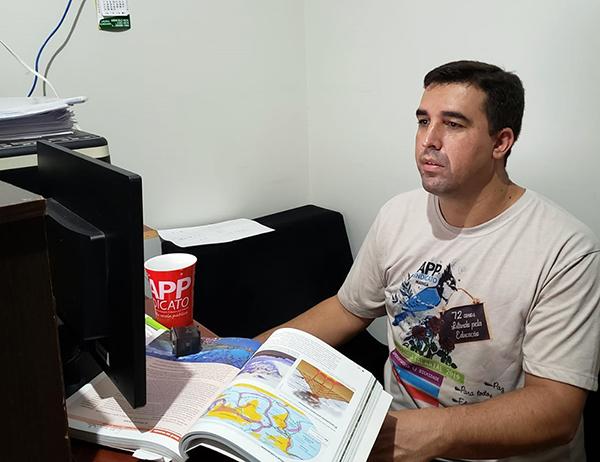 Professor Marcelo Junior, dos colégios Unidade Polo e Independência