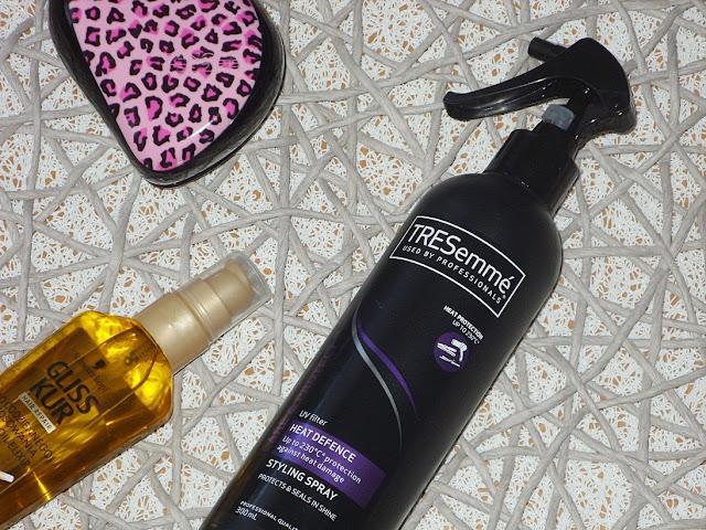 Termoochronny spray do włosów Tresemme