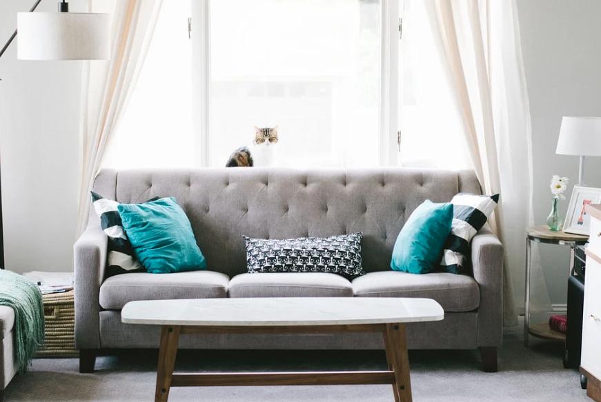 match je bank met het interieur, zo kun je dat gemakkelijk doen. De juiste kleur, materiaal en grote van de bank