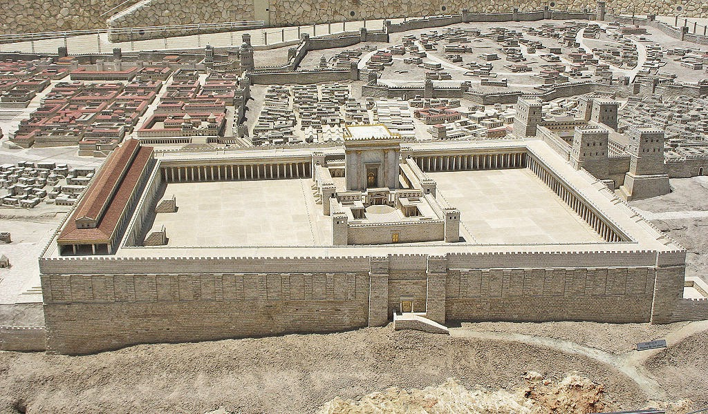 Risultati immagini per distruzione del Tempio, culminando a Tisha B'av