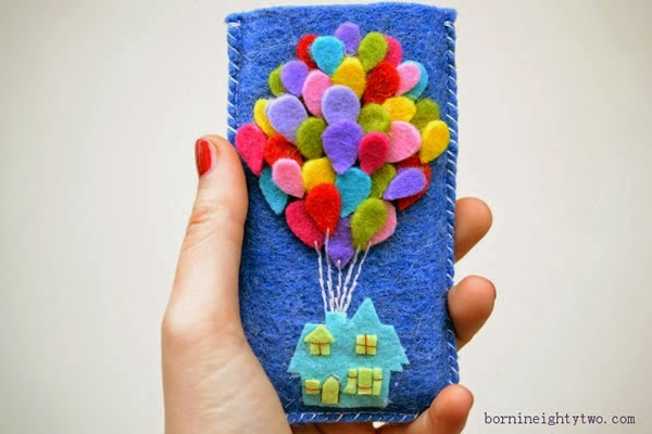 Haz una funda para celular con la casita de up en fieltro mimundomanual - Como decorar una funda de movil ...