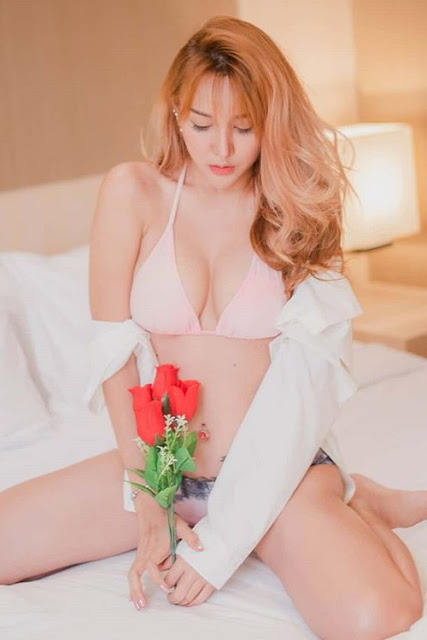 Hot and sexy big boobs photos of beautiful busty asian hottie chick Thai Playboy booty model Bunny Ploysai photo highlights on Pinays Finest sexy nude photo collection site.