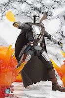 S.H. Figuarts The Mandalorian (Beskar Armor) 52