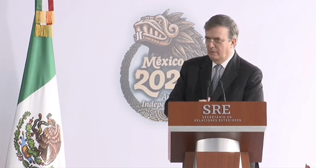 Desde octubre pasaporte mexicano de menores incluirá foto de padres: Ebrard