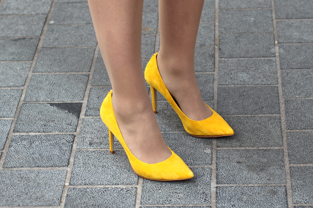 Yellow Moda in Pelle suede heels - UK style & culture blog