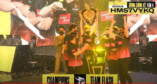 """ProE gáy mạnh sau trận đấu, Team Flash giành chức vô địch ĐTDV theo một kịch bản """"không thể tin được"""""""