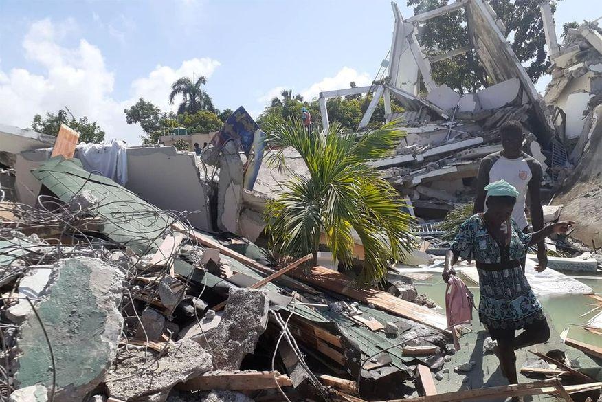 Sobe para 724 o número de pessoas mortas por terremoto no Haiti