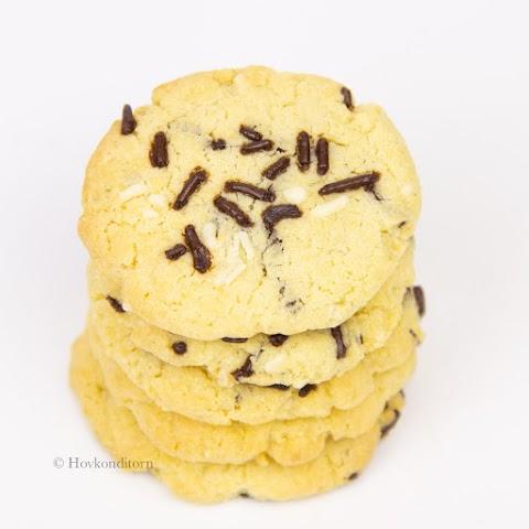 Rum & Sprinkle Cookies