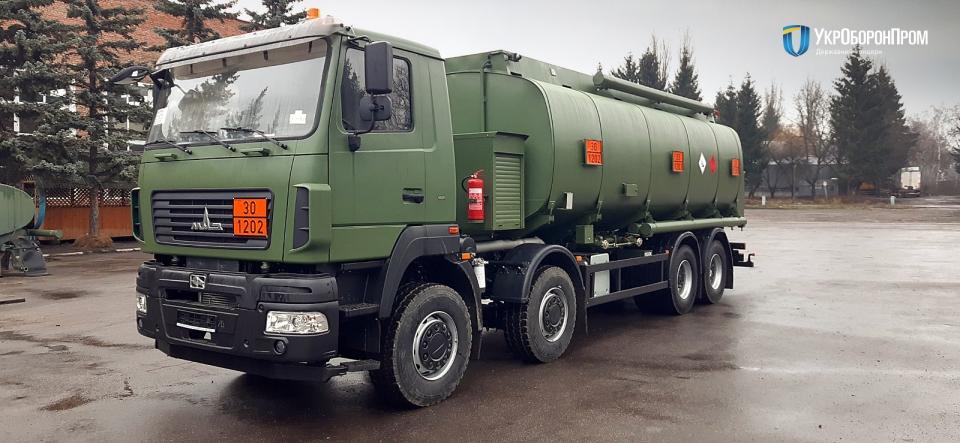 45-й завод передав ЗСУ понад 100 вантажівок і спецтехніки