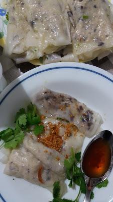 Bánh cuốn - Raviolis vietnamiens ;Bánh cuốn - Raviolis vietnamiens