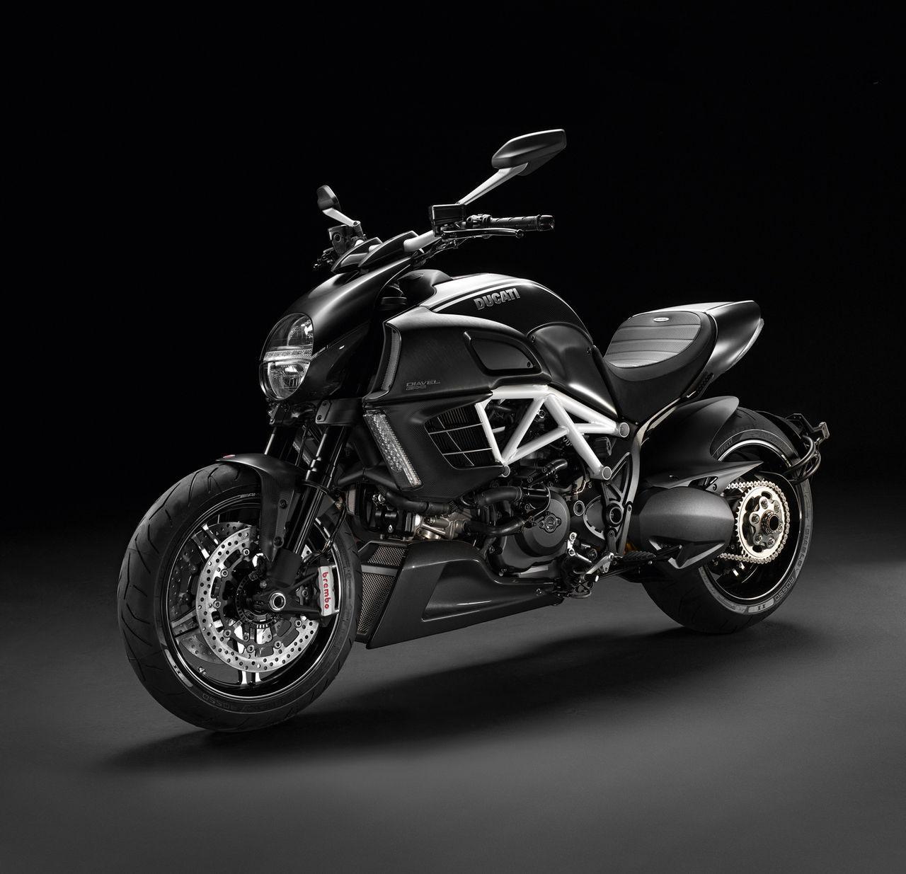 moto i Ducati 2012 Edição Especial AMG