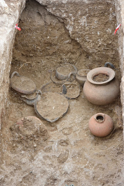 Intact tomb unearthed in Etruscan city of Vulci
