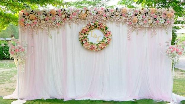 Backdrop đám cưới hoa lụa (ảnh: sưu tầm)