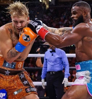 Picture of boxing between Tyron Woodley & Jake Paul