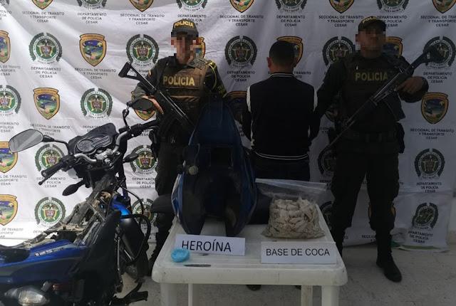 En el tanque de gasolina de la moto llevaba mas de tres kilos de base de coca y 60 gramos de heroína