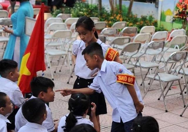 Nên dẹp ngay đội Sao Đỏ trong các trường học?
