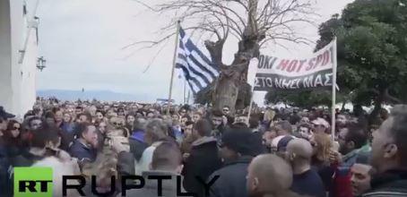 Το βίντεο από τις αντιδράσεις των κατοίκων στην Κω που δεν έδειξε και δεν θα δείξει κανένα ελληνικό ΜΜΕ..