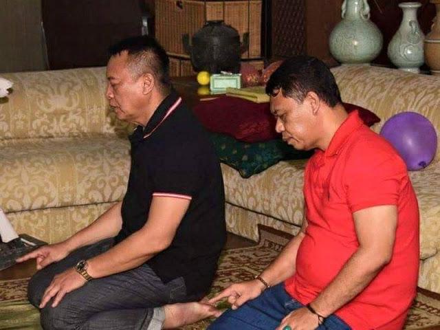 Saat TB Hasanuddin-Anton Charliyan Salat Bareng di Rumah Solihin GP