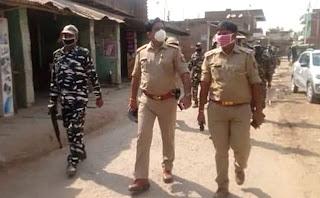 पुलिस प्रशासन ने सीआरपीएफ जवानों के साथ निकाला शांति मार्च  | #NayaSaberaNetwork