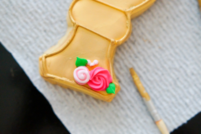 First Communion Cookies for a Girl, applying luster dust