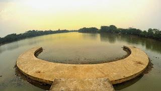 http://www.teluklove.com/2017/04/destinasti-objek-wisata-setu-babakan-di_28.html