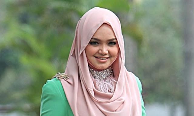 Foto Baju Peribadi Siti Nurhaliza Yang Dilelong Dengan Harga Serendah Rm100