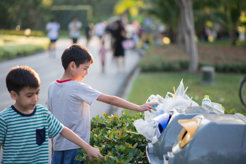 6 Ways to Teach Your Child to Be Less Wasteful
