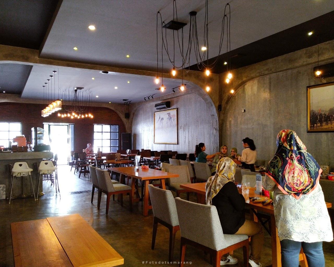 Pertama Kali Castle Resto Bar Semarang