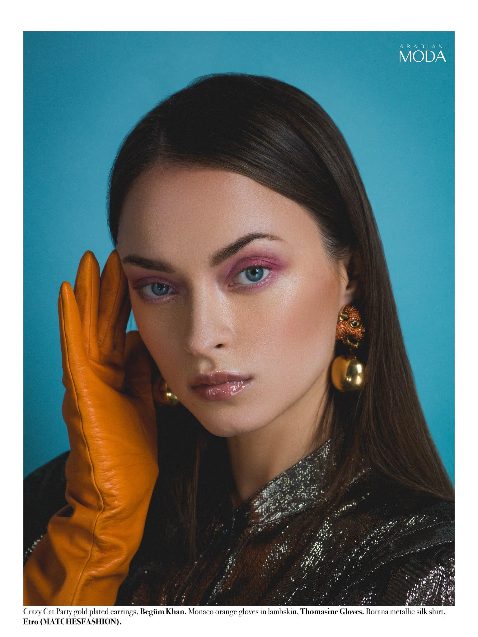 6- Arabian Moda x Etro x Begüm Khan x Thomasine Gloves