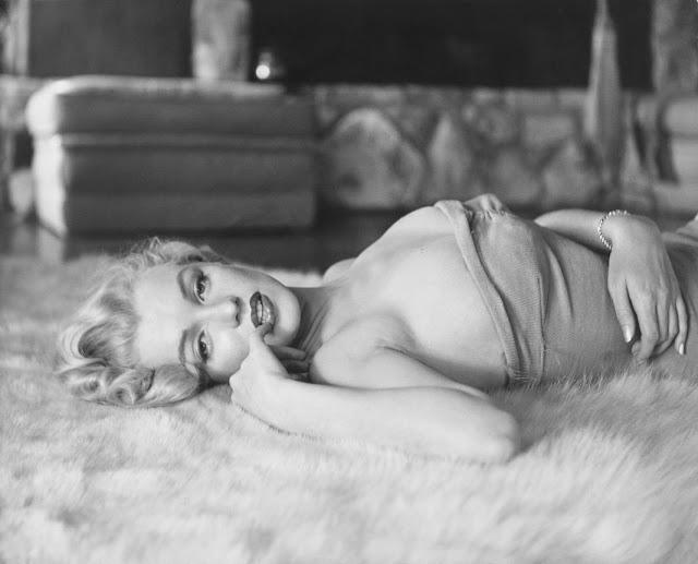 1953. Marilyn Monroe photographed by John Florea