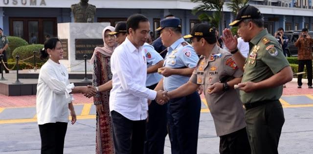 Terbang Ke Papua, Presiden Jokowi Kunjungi Pegunungan Arfak Hingga Resmikan Jembatan