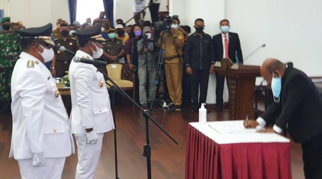 John Tabo dan Ever Mudumi Resmi Memimpin Kabupaten Mamberamo Raya.lelemuku.com.jpg