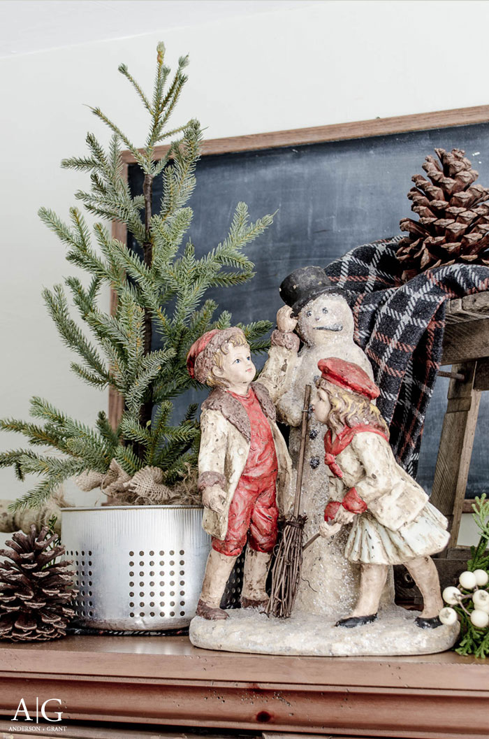 Snowmen and trees are the perfect way to transition for decorating for Christmas to keeping the house cozy for winter.  ||  www.andersonandgrant.com