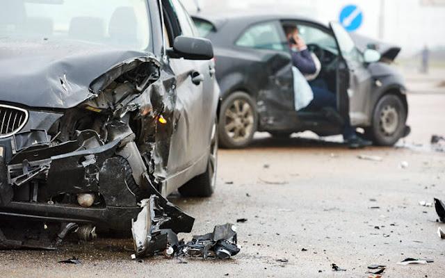 Η συμπεριφορά των χρηστών των δρόμων, τόσο των πεζών όσο και των οδηγών οχημάτων είναι ο τομέας στον οποίο επικεντρώνεται η προσπάθεια για αύξηση των ποσοστών της οδικής ασφάλειας. Η οδήγηση απαιτεί πλήρη συγκέντρωση του οδηγού. Ωστόσο, καθώς είναι μια εργασία που εκτελείται τακτικά, σταδιακά γίνεται ρουτίνα και οι οδηγοί γίνονται σίγουροι για τις ικανότητές τους.
