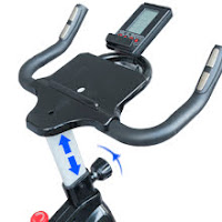 Tablet holder on SNODE 8722 & 8731 Indoor Cycling Bike, image