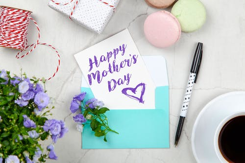 Happy Mother's Day Quotes, Messages In English, Hindi, Marathi.
