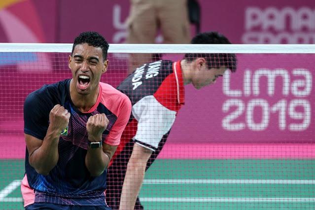 Ygor Coelho comemorando sua vitória em partida da disputa do ouro nos Jogos Pan-Americanos Lima 2019