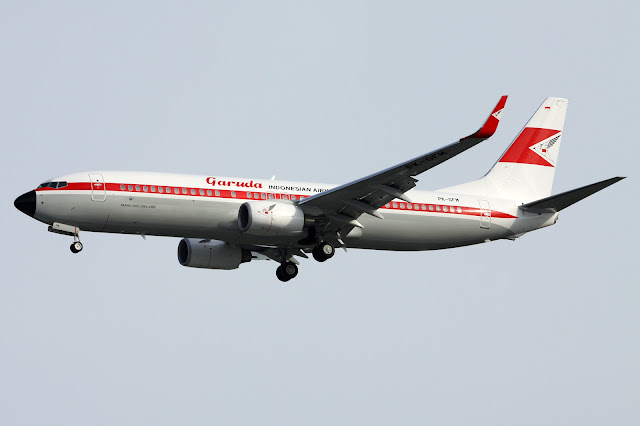 Garuda Indonesian Airways Boeing 737-800 Retro Livery