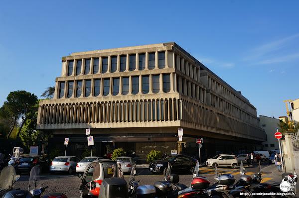 Florence - Palais des Affaires (Firenze, Palazzo degli Affari)   Architecte: Pierluigi Spadolini   Inauguration: 1974
