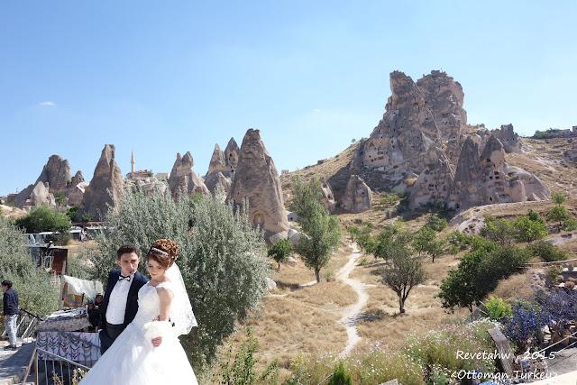 [土耳其之旅](10)-卡帕多奇亞(Cappadocia)-凱馬克利地下城、地毯工廠、烏其沙城堡、玫瑰谷、洞穴餐廳 ...
