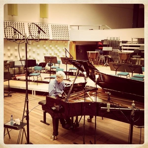 Elan Sicroff recording Thomas de Hartmann's piano music in 2012