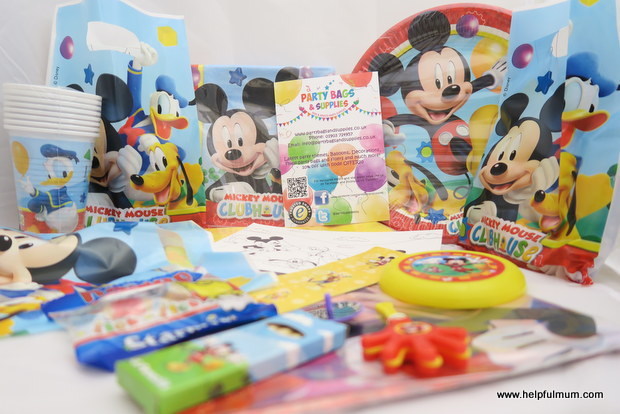 Review Mickey Mouse Celebration Cake