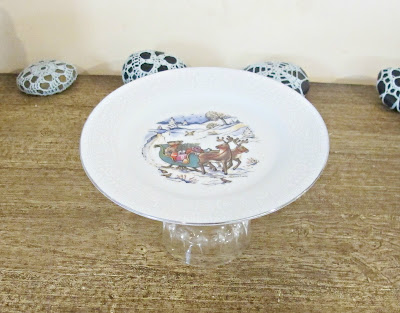 cake stand cupcake christmas in july reindeer vintage chic domum vindemia