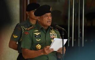 Panglima TNI Gatot Nurmantyo Baca Puisi di Rapimnas Golkar
