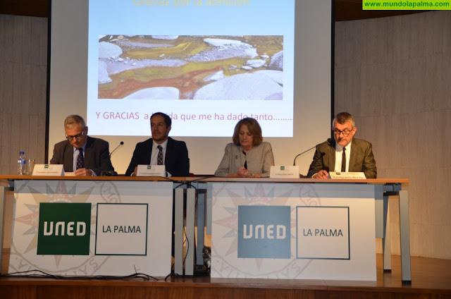 20 estudiantes palmeros recogieron sus titulaciones en el acto de apertura del curso de UNED La Palma