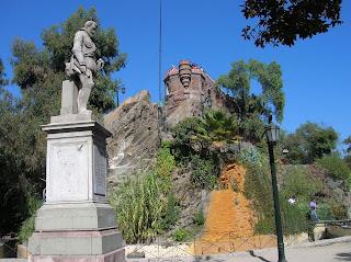 Castillo Hidalgo Santiago de Chile, Cerro Santa Lucía, Santiago de Chile, Chile, vuelta al mundo, round the world, La vuelta al mundo de Asun y Ricardo