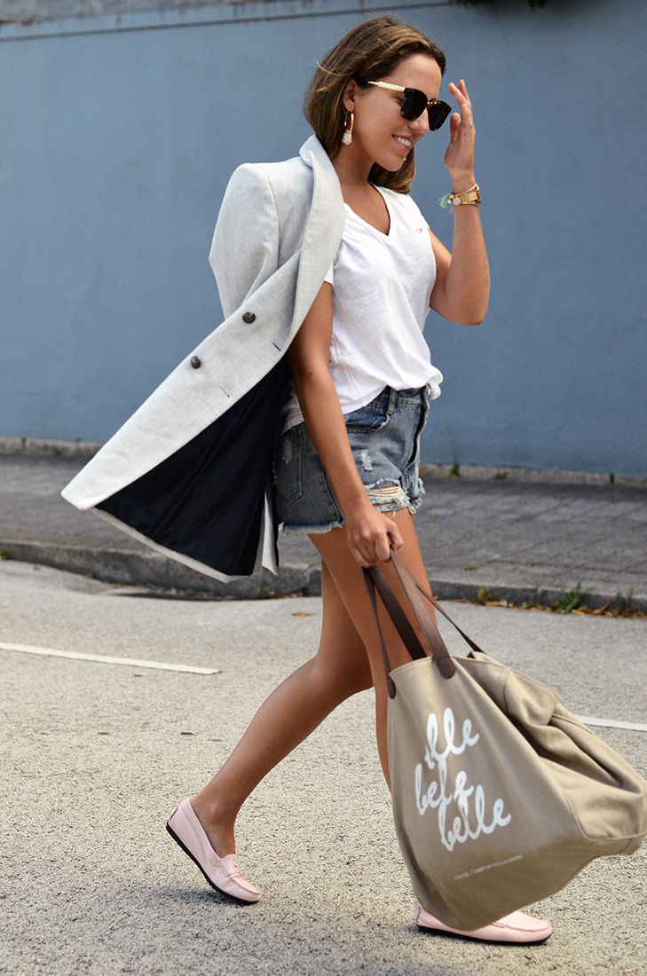 Streetstyle - Casual in denim shorts, grey blazer, white tee, big bag and  gucci sunnies